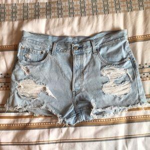Worn once!! Levi High waist denim shorts!!